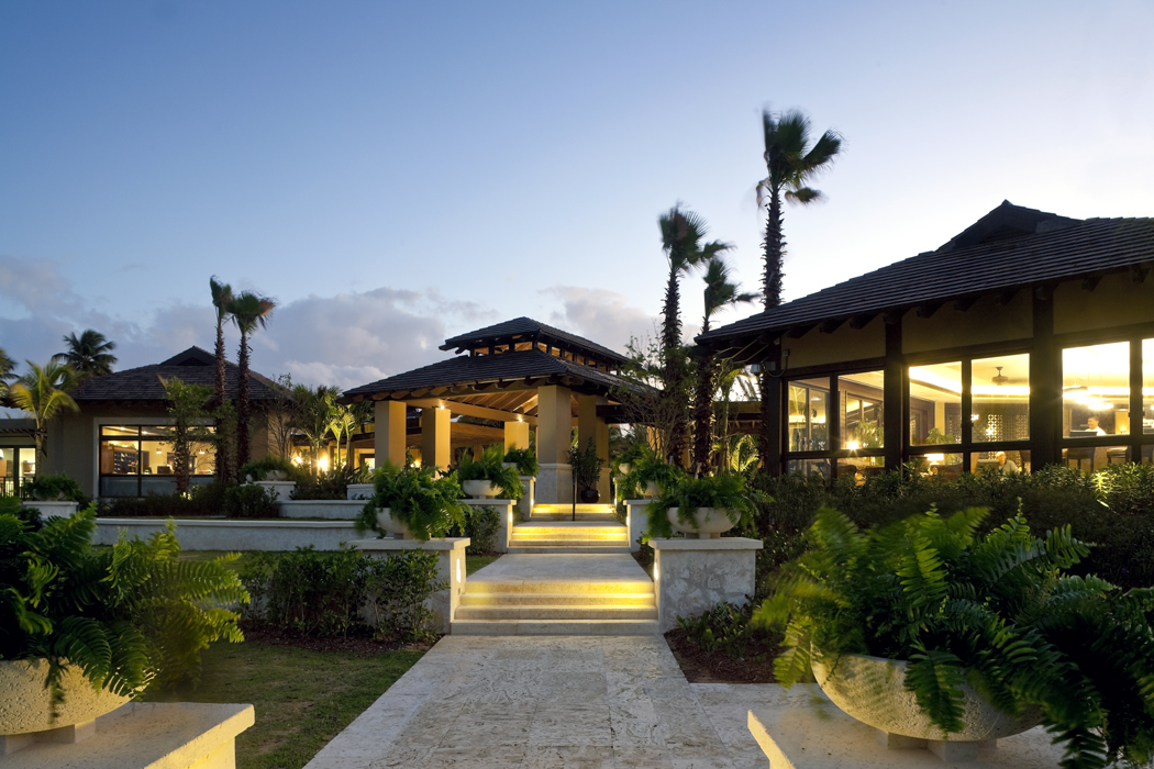Bahia Beach Golf Clubhouse Sb Architects Archello