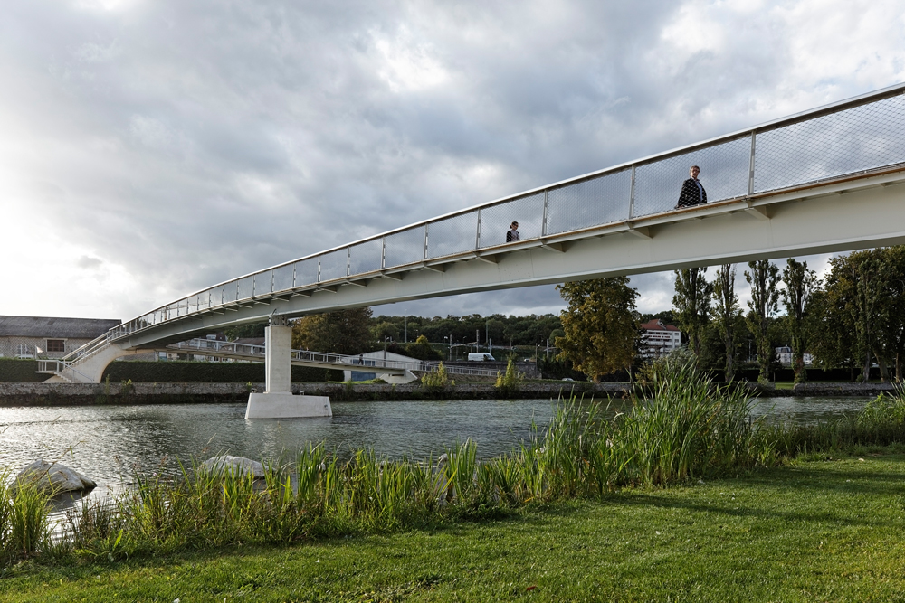 DVVD - Footbridge over the Marne in Meaux, France