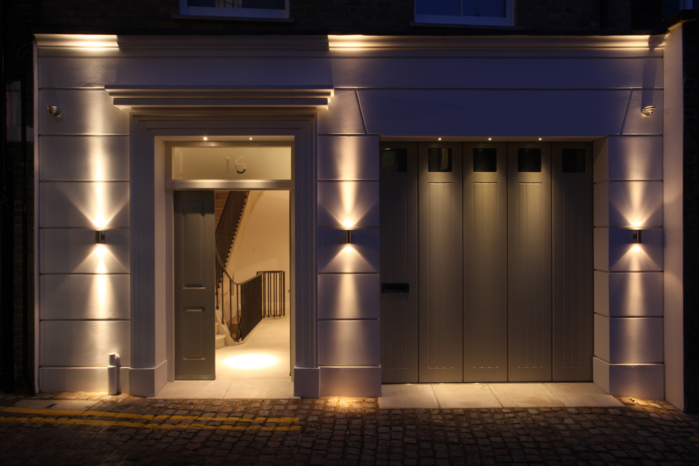 Lighting Basement Washroom Stairs: Kensington Mews House