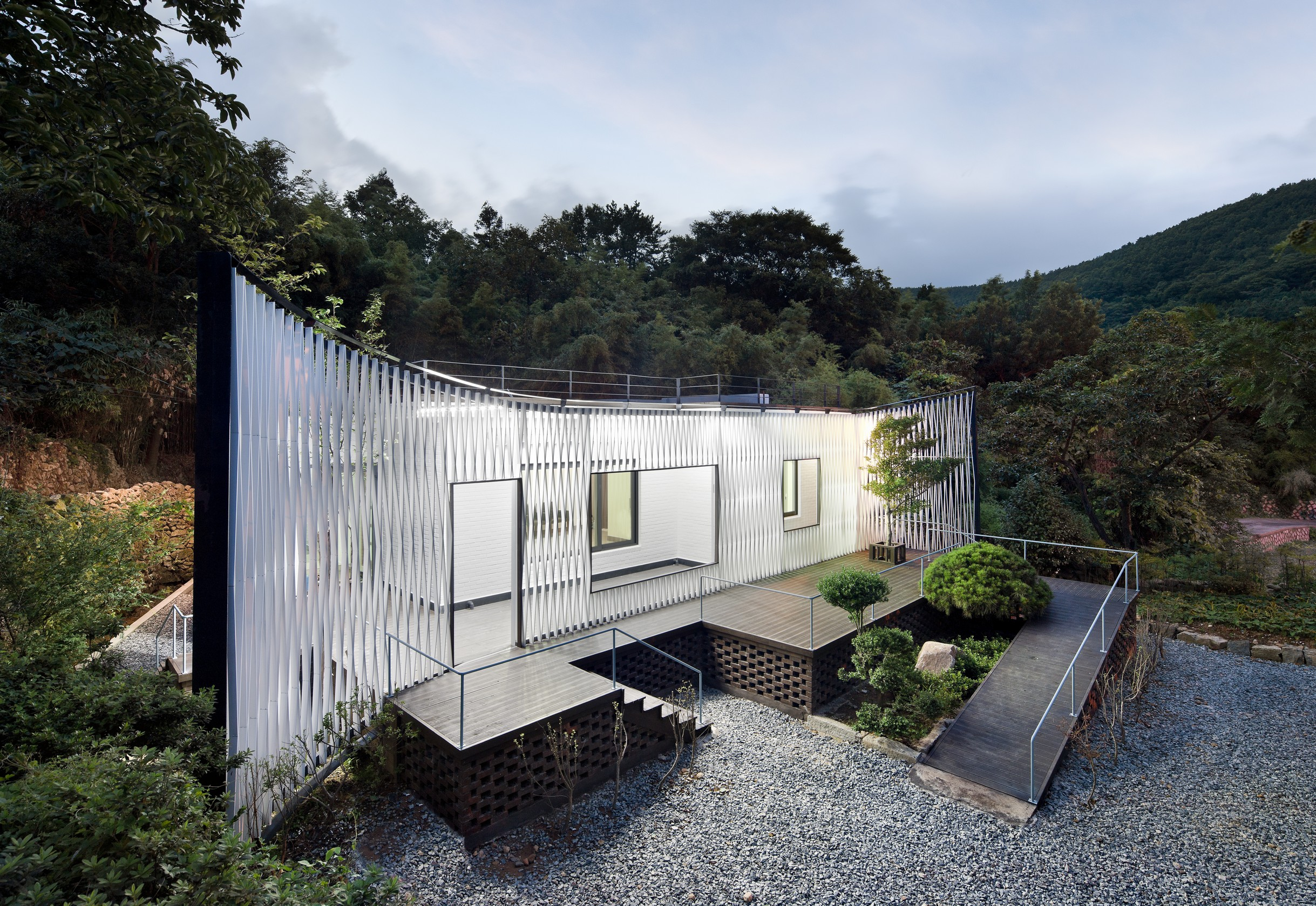 NamhaeCheo-ma house