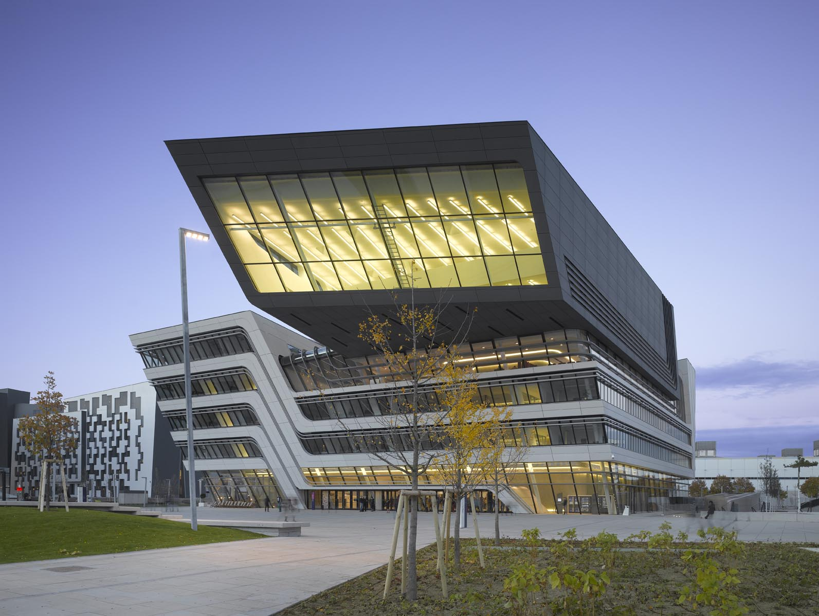 Library and Learning Centre | Zaha Hadid Architects, Rieder