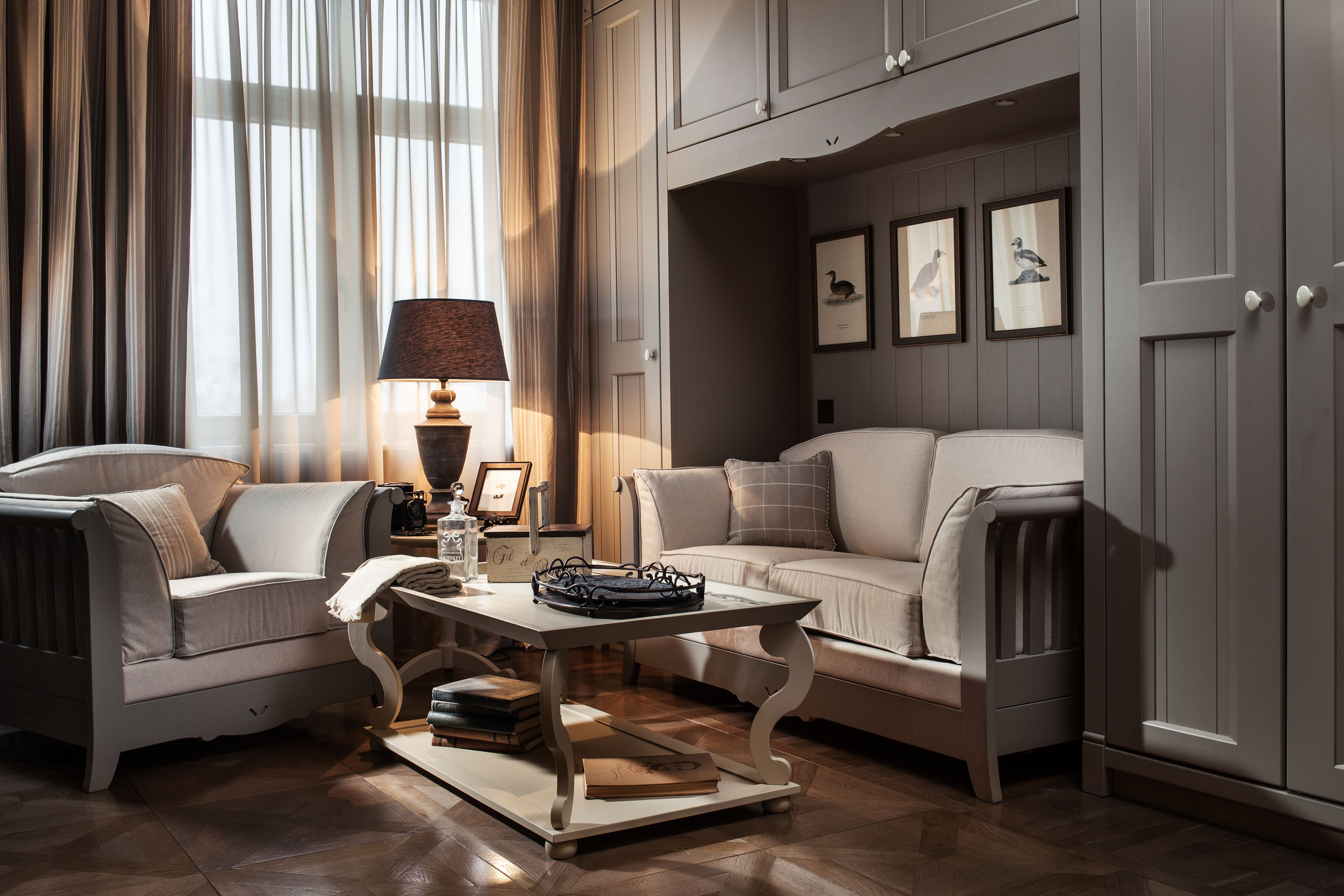 English mood enchants a small apartment in moscow for Salotti shabby chic