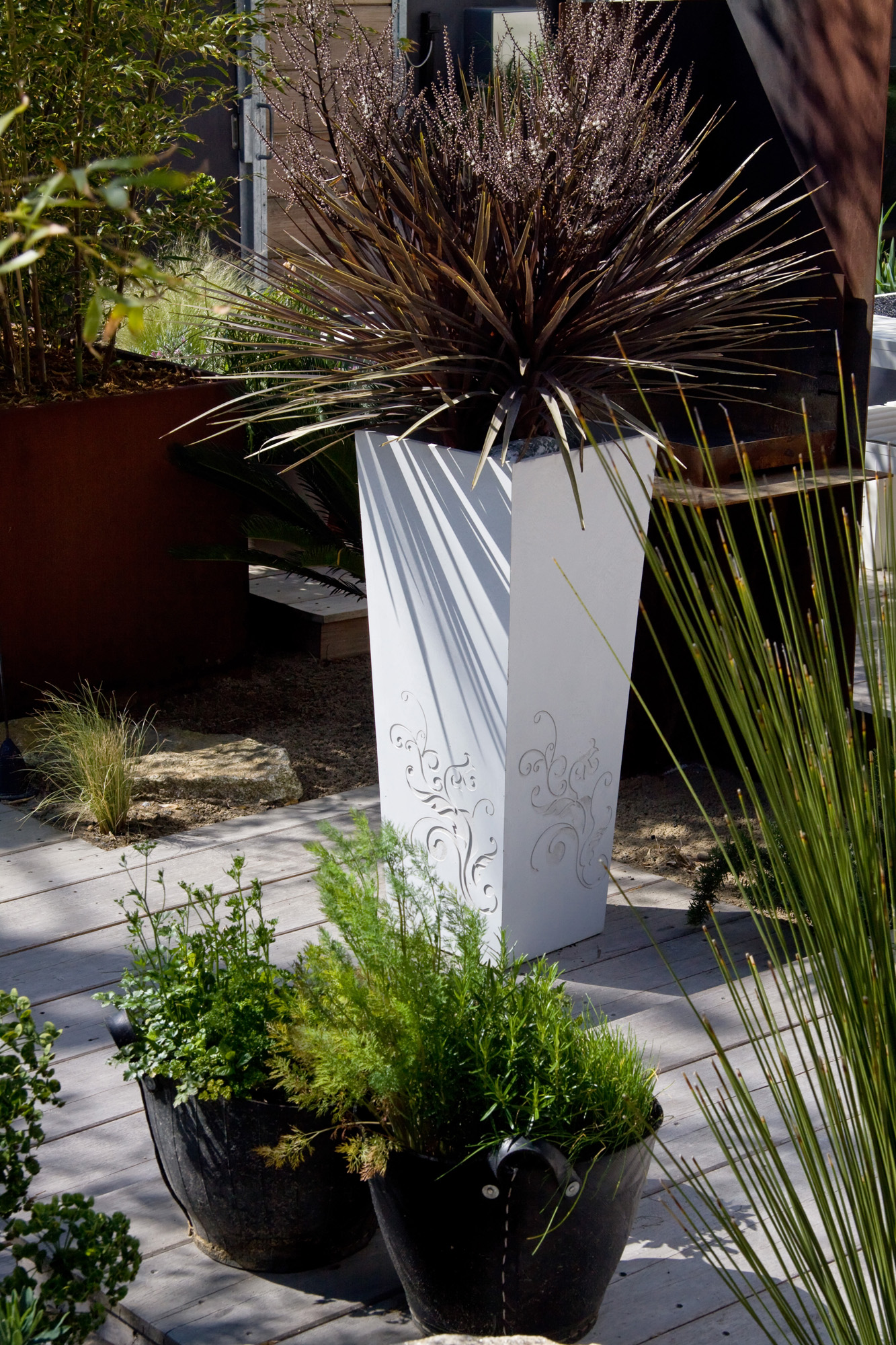 Image of: Be Flower Planter In High Performance Concrete By Atelier So Green Archello