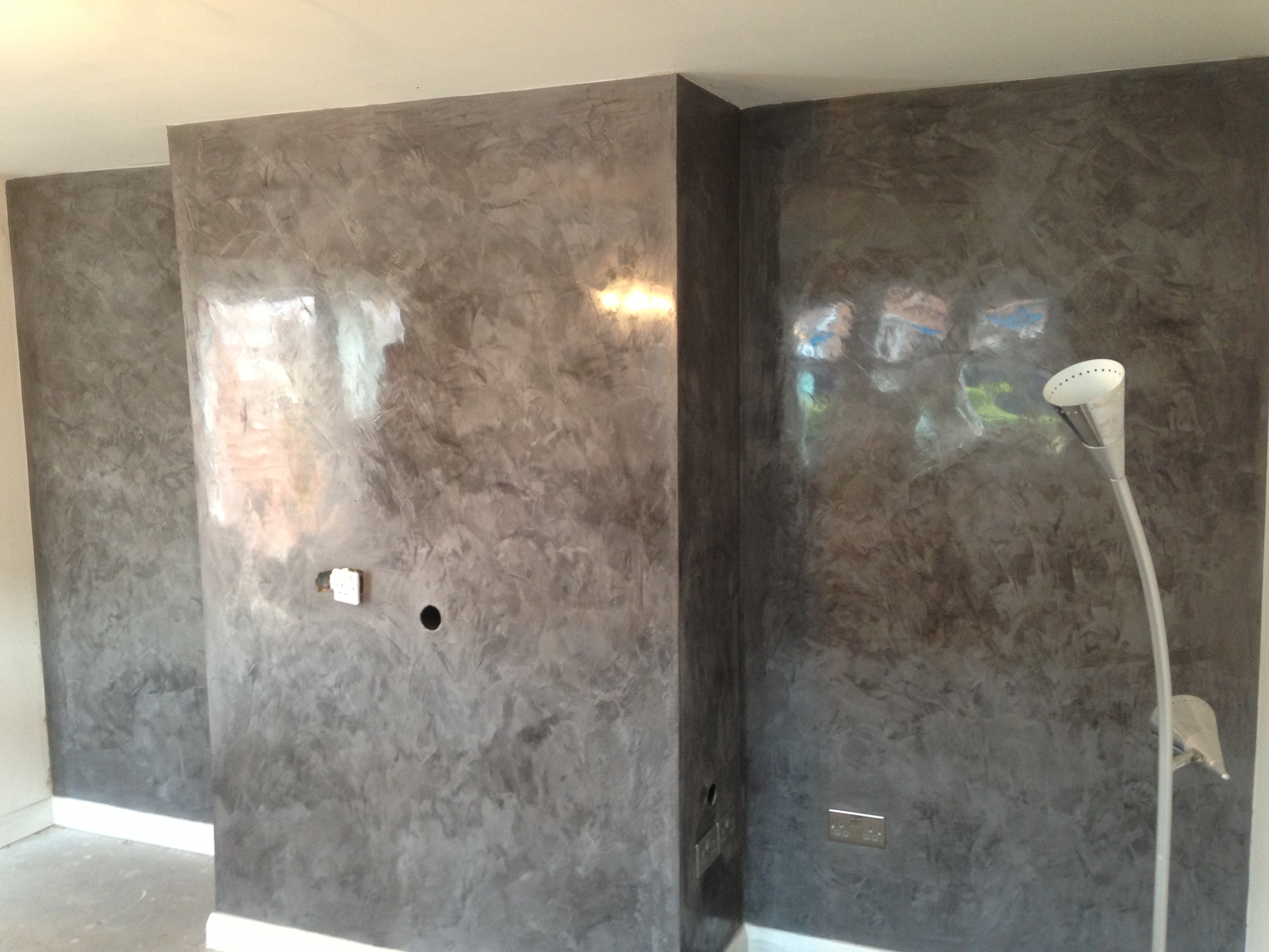 feature wall in teeside daniel polished plaster interiors archello. Black Bedroom Furniture Sets. Home Design Ideas