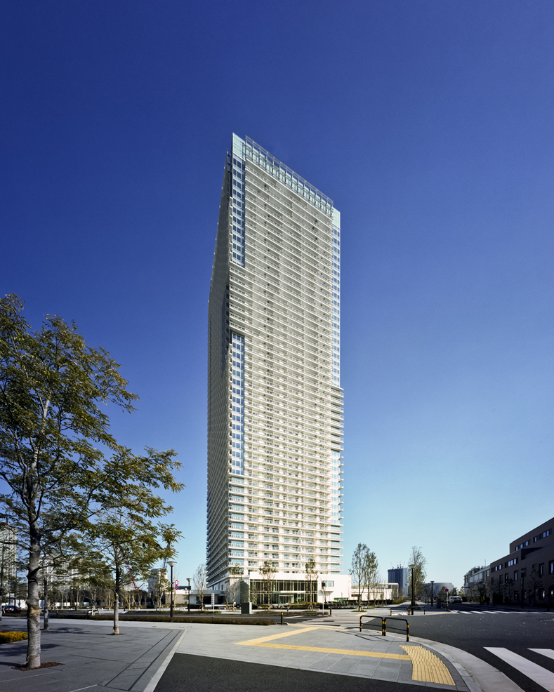 Apartments In Tokyo: Two Harumi Residential Towers In Tokyo