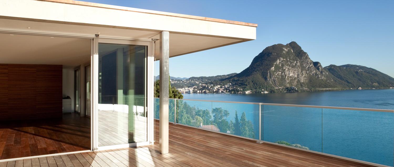 easy glass hybrid by q railing archello. Black Bedroom Furniture Sets. Home Design Ideas