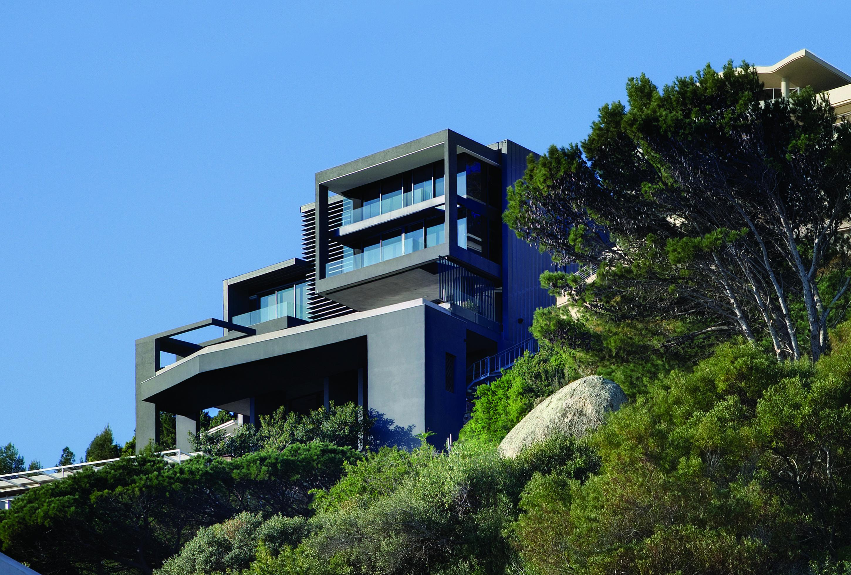 многоэтажный дом выстроенный на склоне фото сочетают