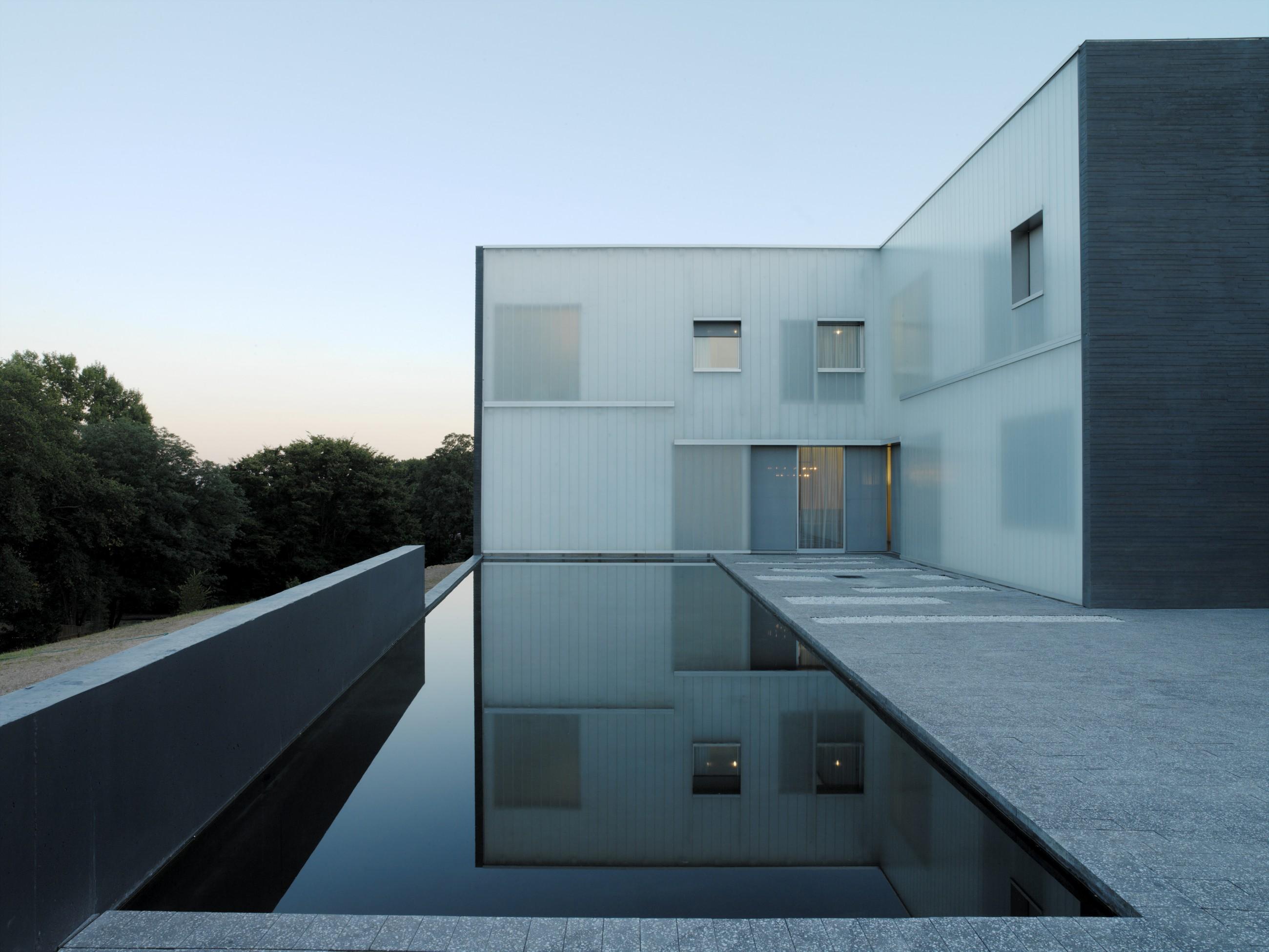 Polycarbonate Facade Window