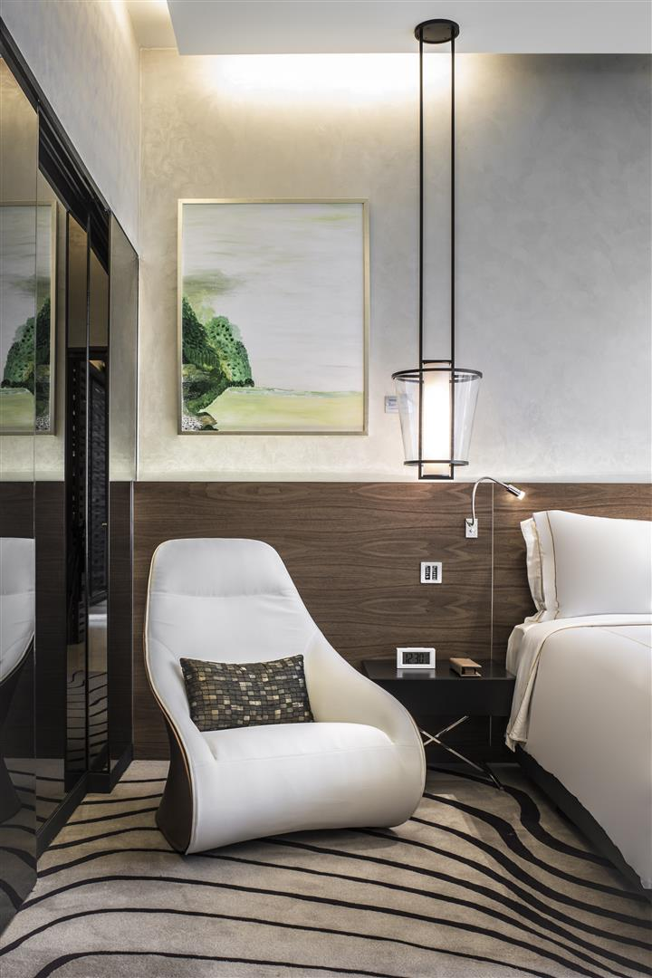 Clean visual lines and Japanese aesthetics create an idyllic atmosphere for guests to escape from the frenzy of Singapore's urban surroundings