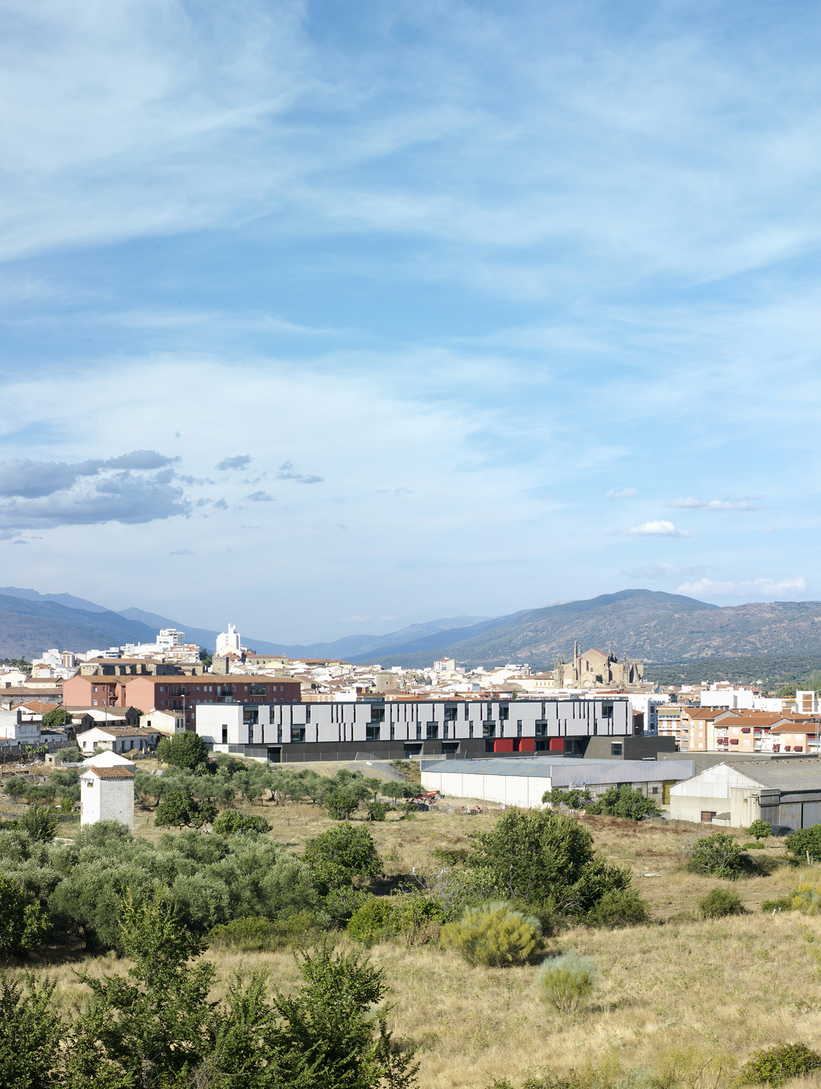 SECONDARY SCHOOL AND COOKING SCHOOL IN PLASENCIA