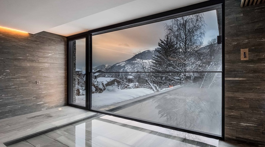 Insulating glass and double glazing