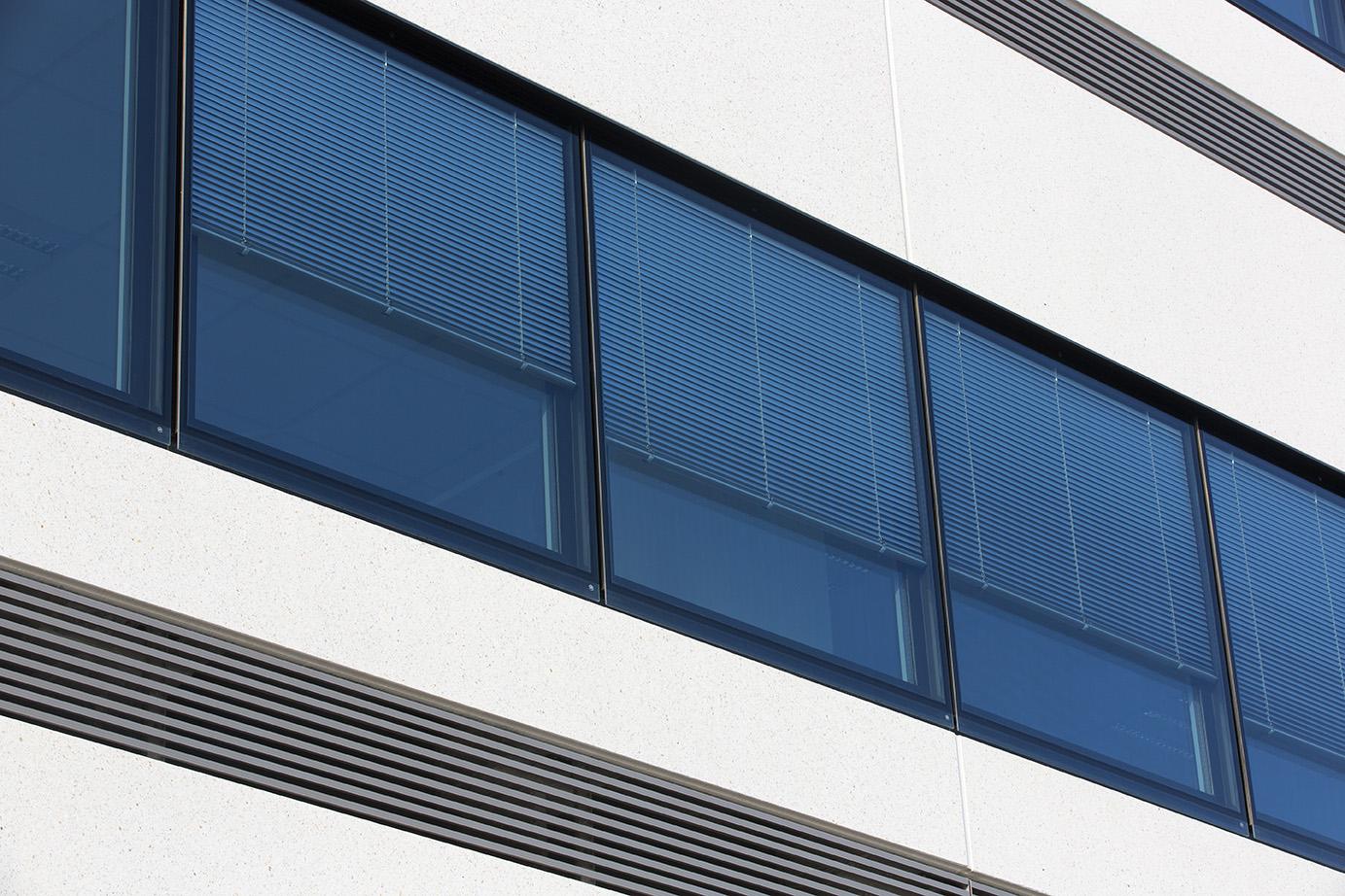 AIRE® Venetian blinds