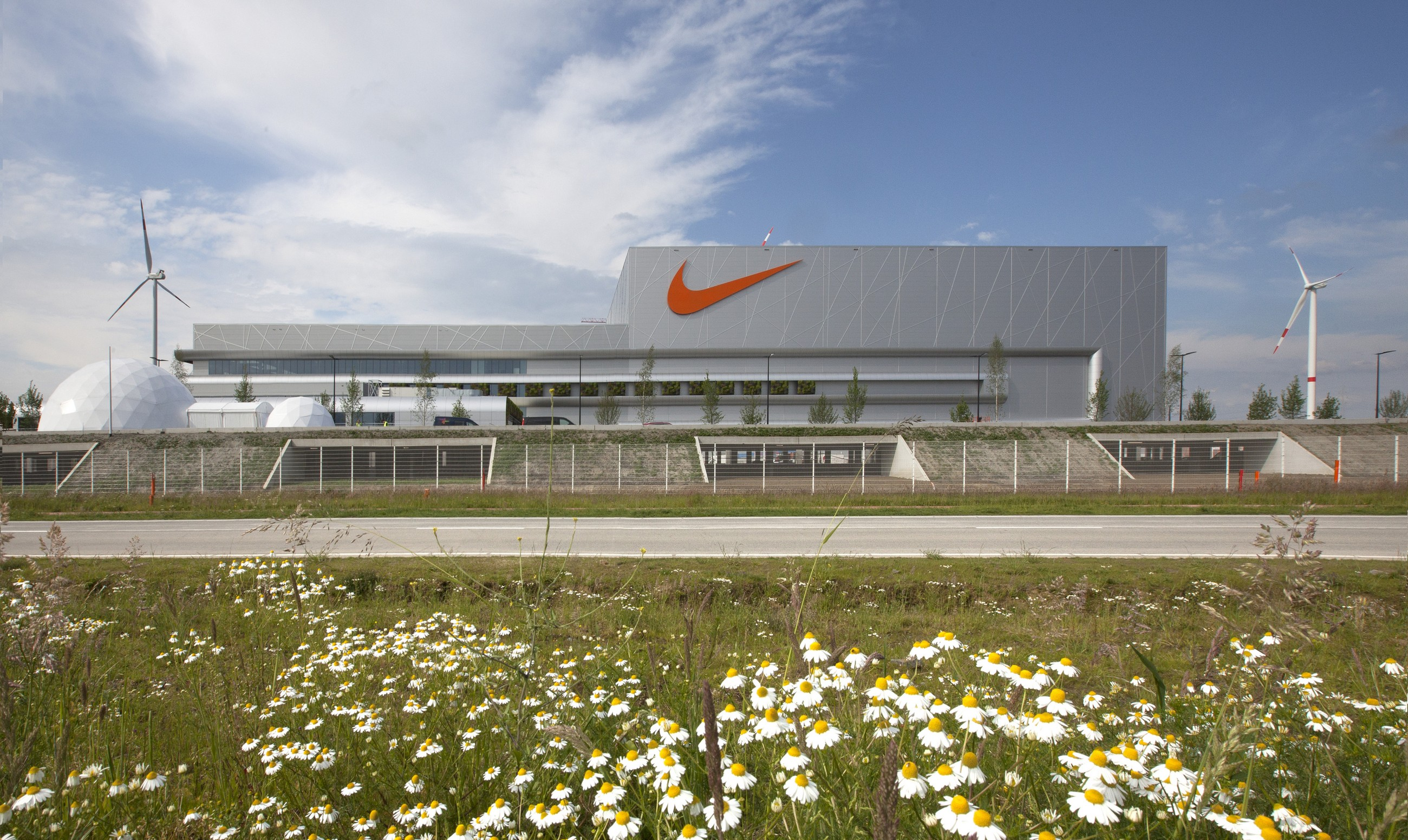 NIKE European Logistics Center   Jaspers-Eyers Architects   Archello