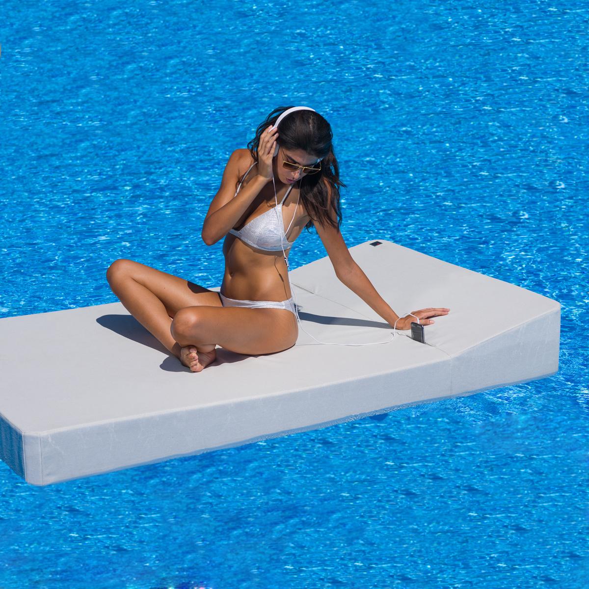 Kiatta | Floating Pool Table