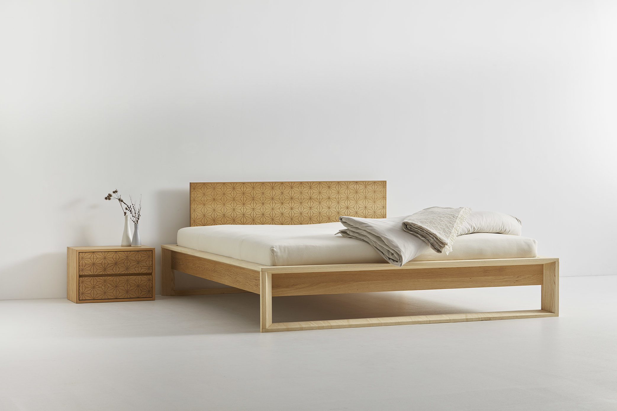 Asanoha Bed Grüne Erde By Destilat Architecture