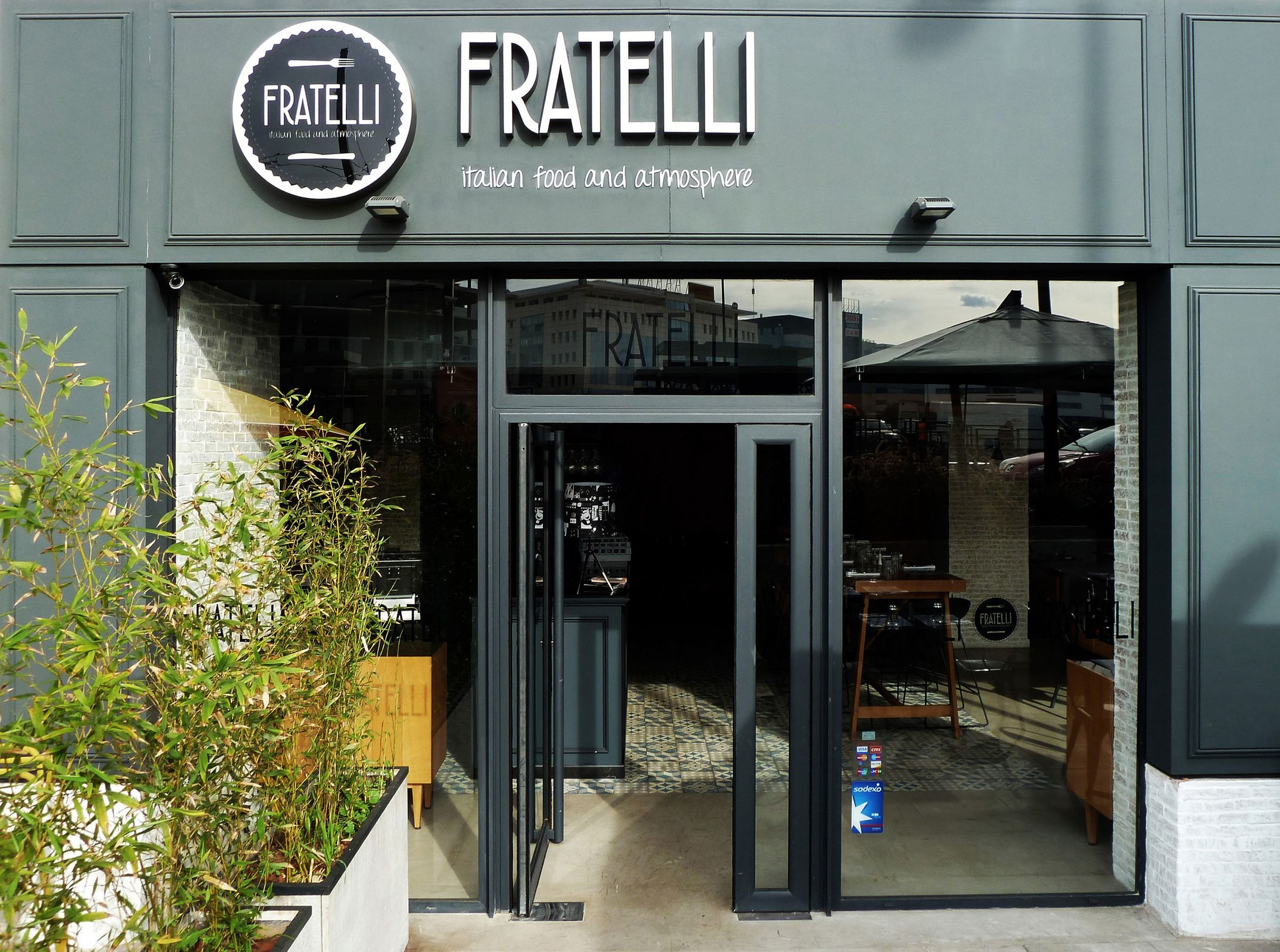 Fratelli Italian Restaurant Atmosphere Dum Dum Design Archello