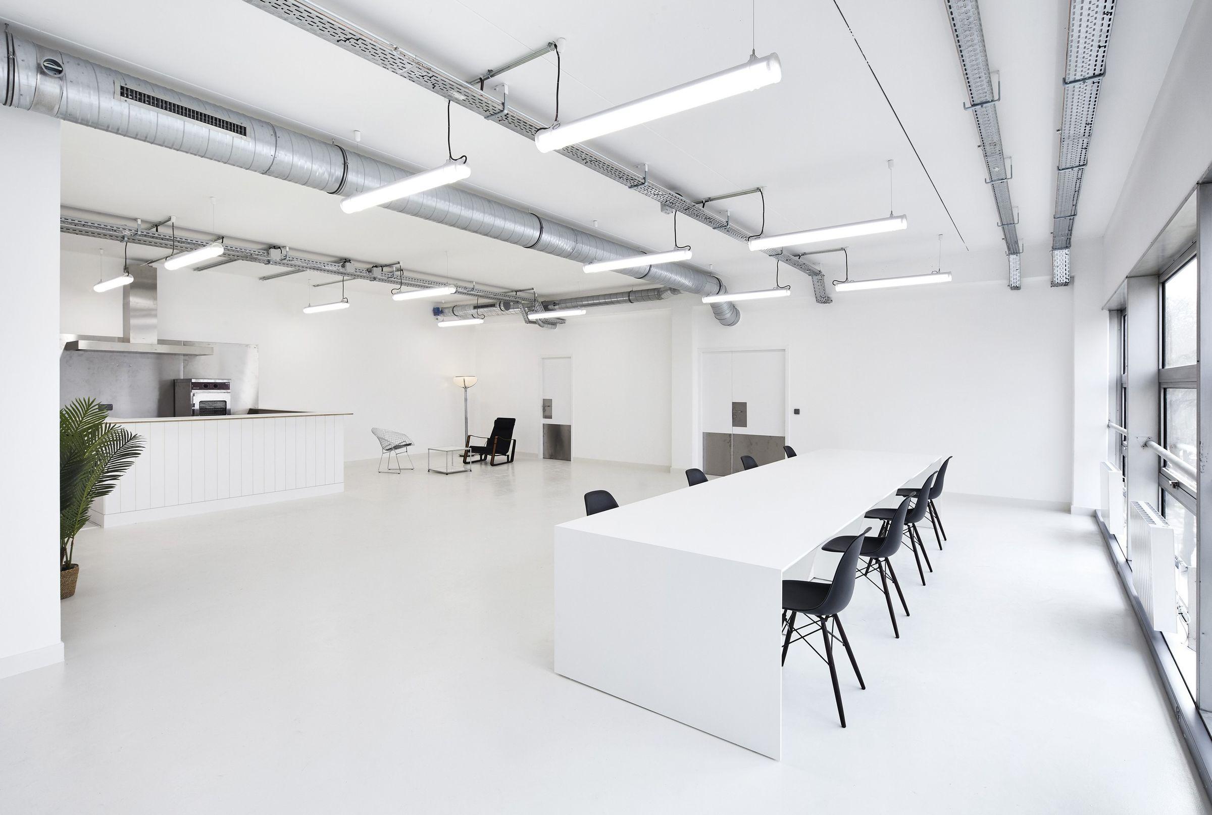 Ateliers Showroom Marine Serre Lemoal And Lemoal