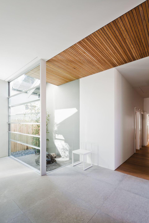 House in Randwick by Studio Internationale -