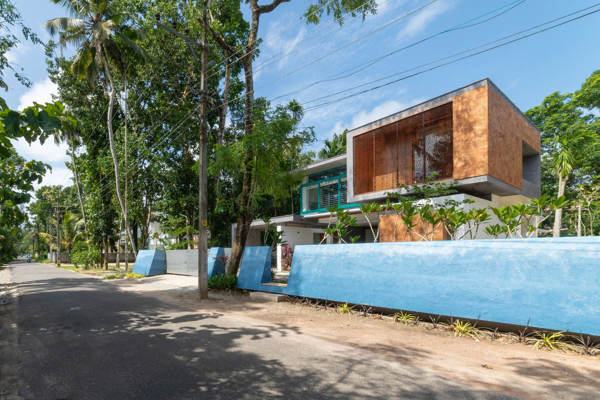 Manjadi House Of The Bead Tree No Architects Designers And Social Artists Media Photos And Videos 2 Archello