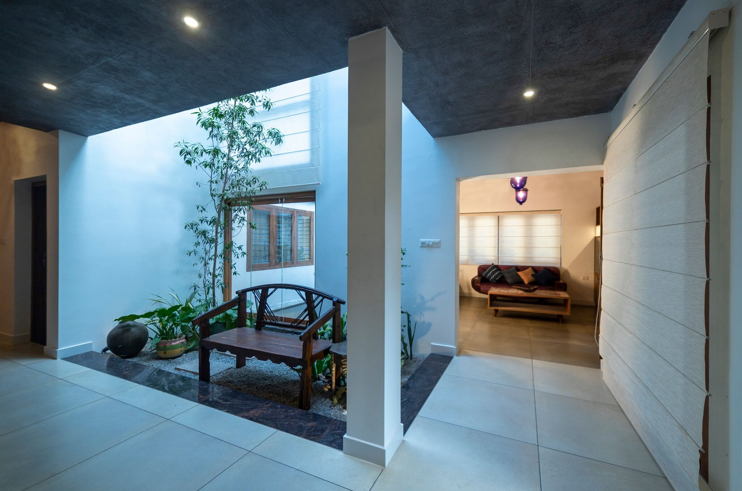 Manjadi House Of The Bead Tree No Architects Designers And Social Artists Medios De Comunicacion Fotos Y Videos 10 Archello