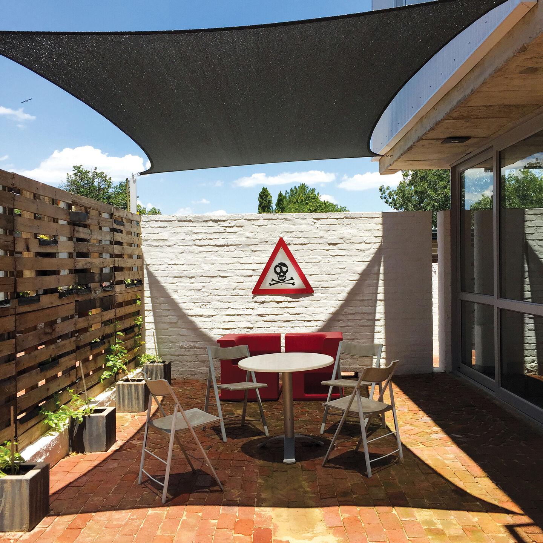 Oaktree Studio | Courtyard
