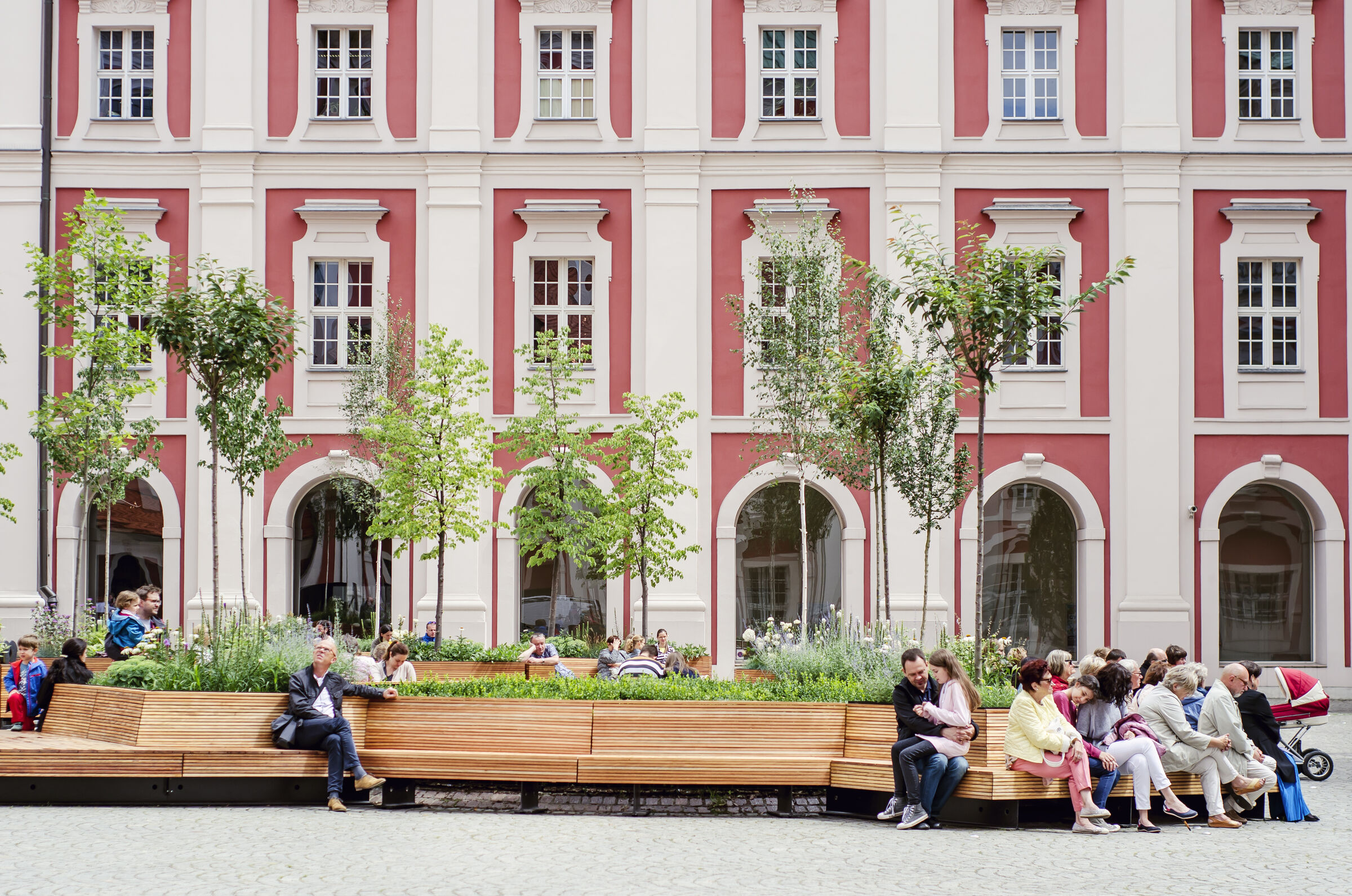 Urban furniture for courtyard City Hall