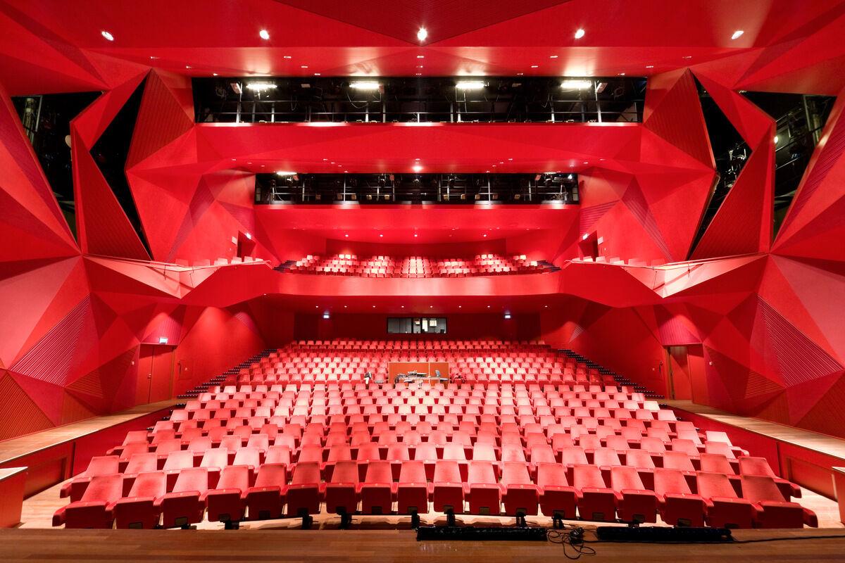 agora-theatre-un-studio.jpg