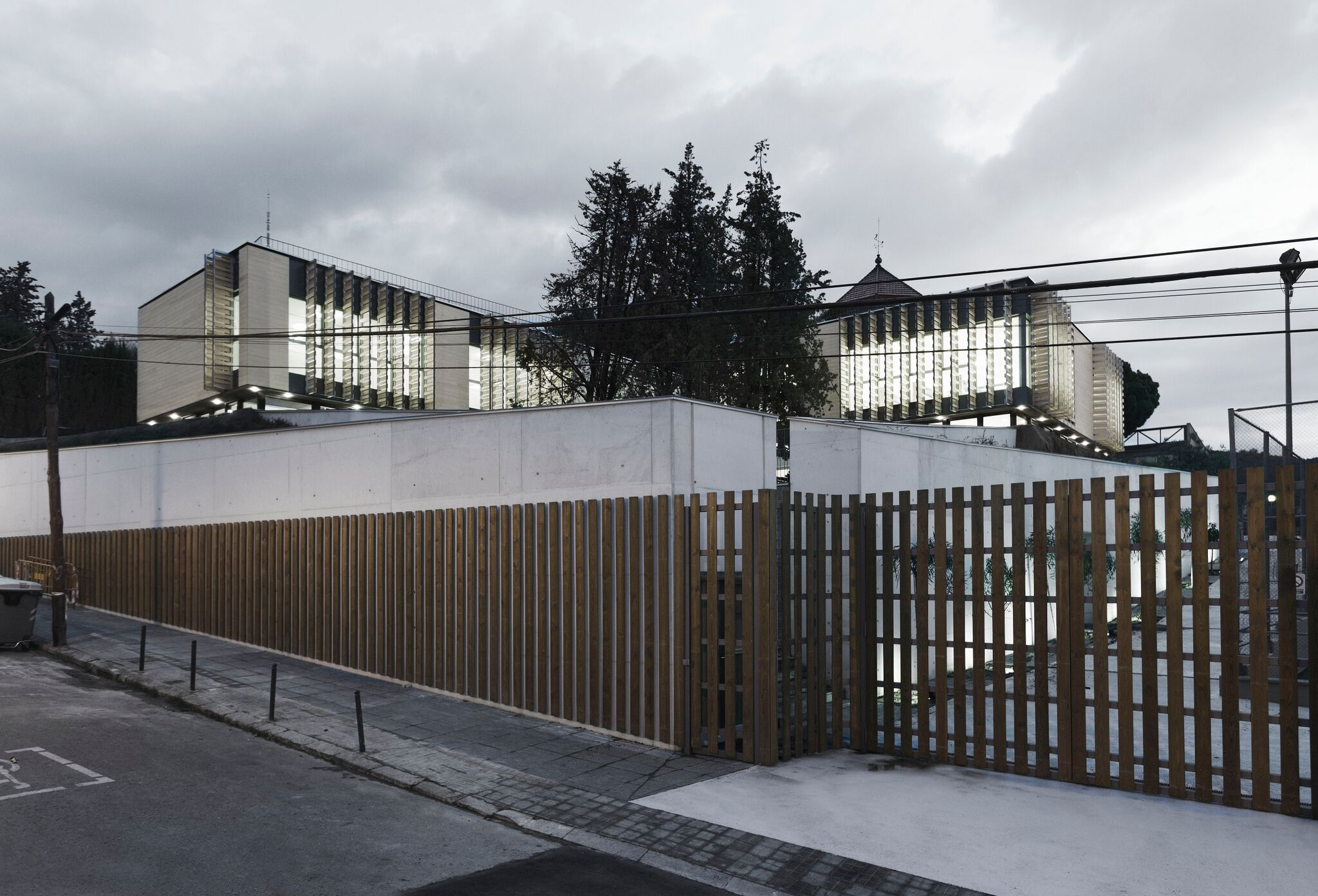 Oak House School 16 - Accoya