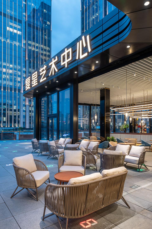 13-outdoor terrace can also be used as high-end activities space-室外平台亦可作为高端活动场地.jpg