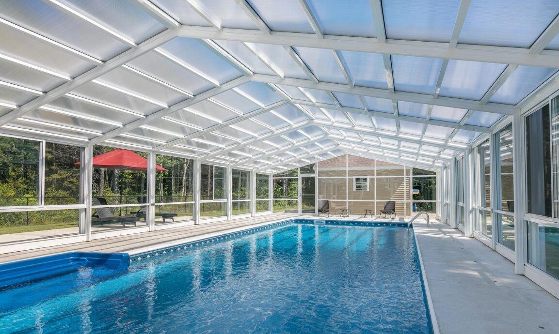 Residential Retractable Pool Enclosure Roll A Cover Intl Media Foto S En Video S 1 Archello