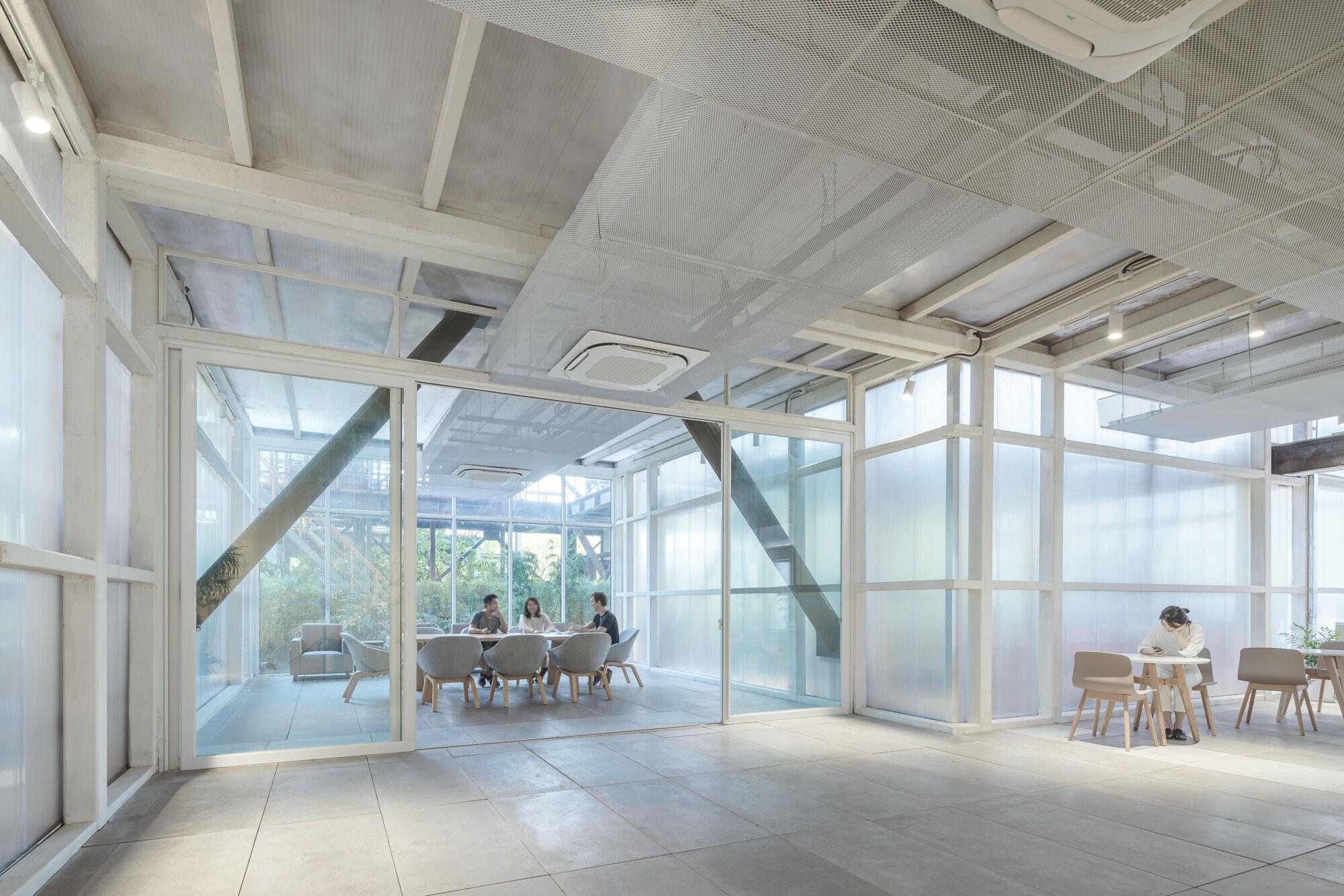 17_lounge and meeting room休息区及会议室.jpg